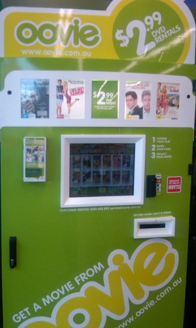 kiosk digital signage oovie