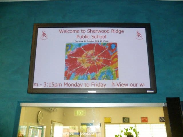 digital signage welcome message school