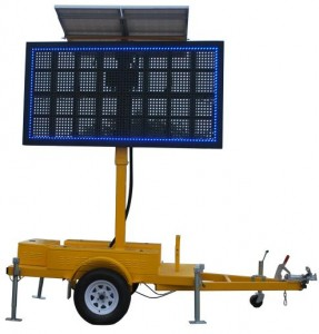 Outdoor Portable LED Message Sign Screen Trailer