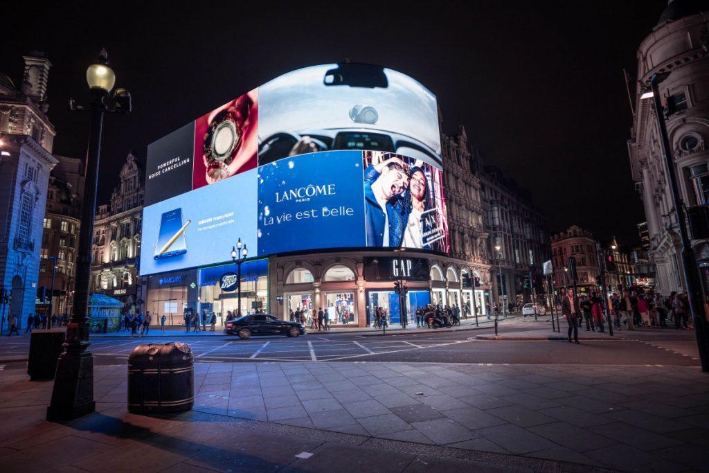 Digital Signage Blog - Digital Billboard